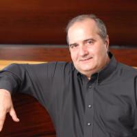 Jorge Luis Prats press (58)
